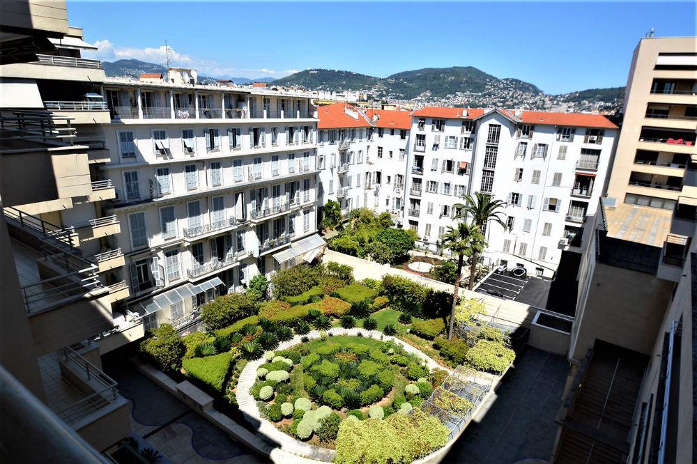 Шикарная квартира в центре Ниццы